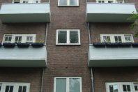Nieuwe balkons aan achtergevel rijksmonument